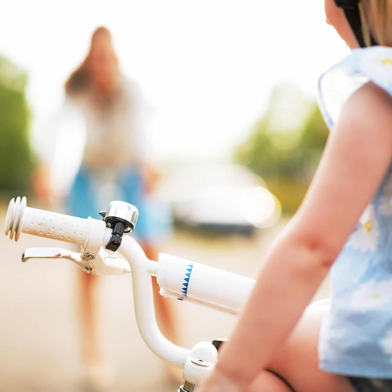 how to teach a daughter or son to ride a bicycle