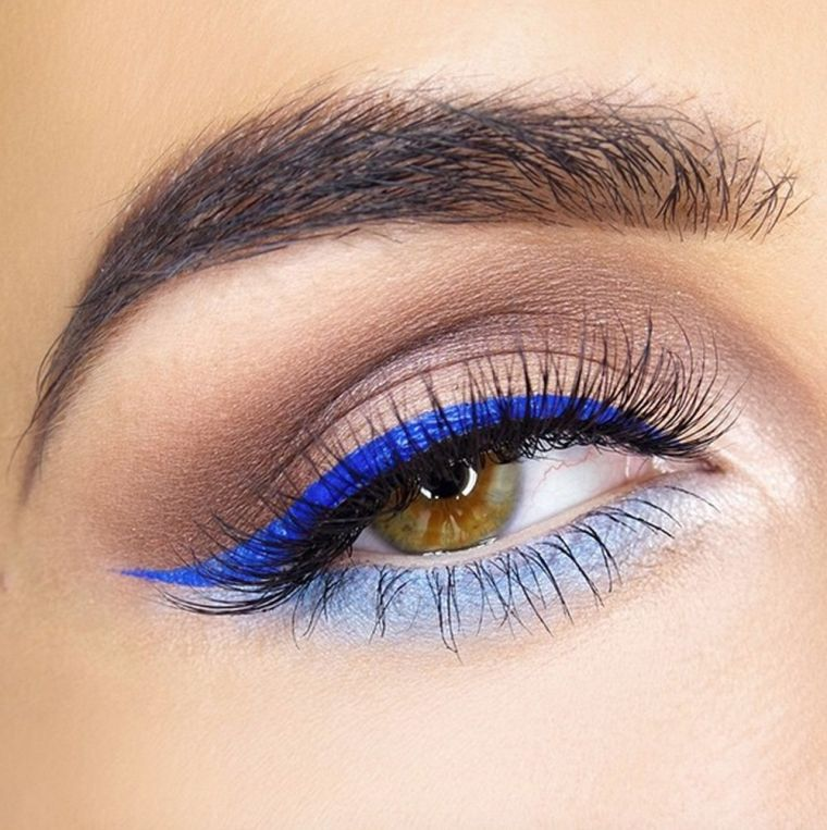 makeup with blue eyeliner