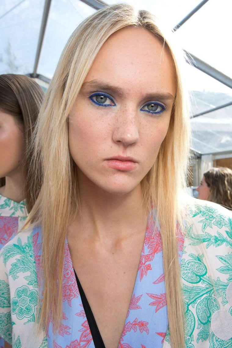 modern blue eyeliner