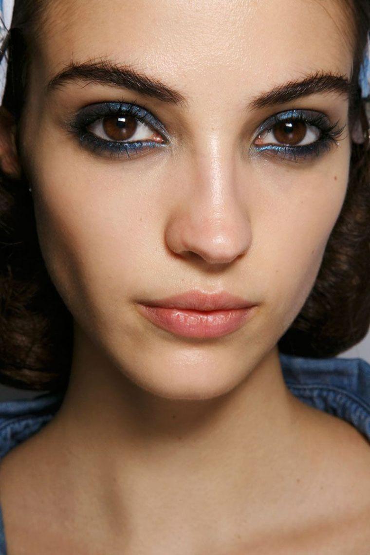 blue color makeup idea