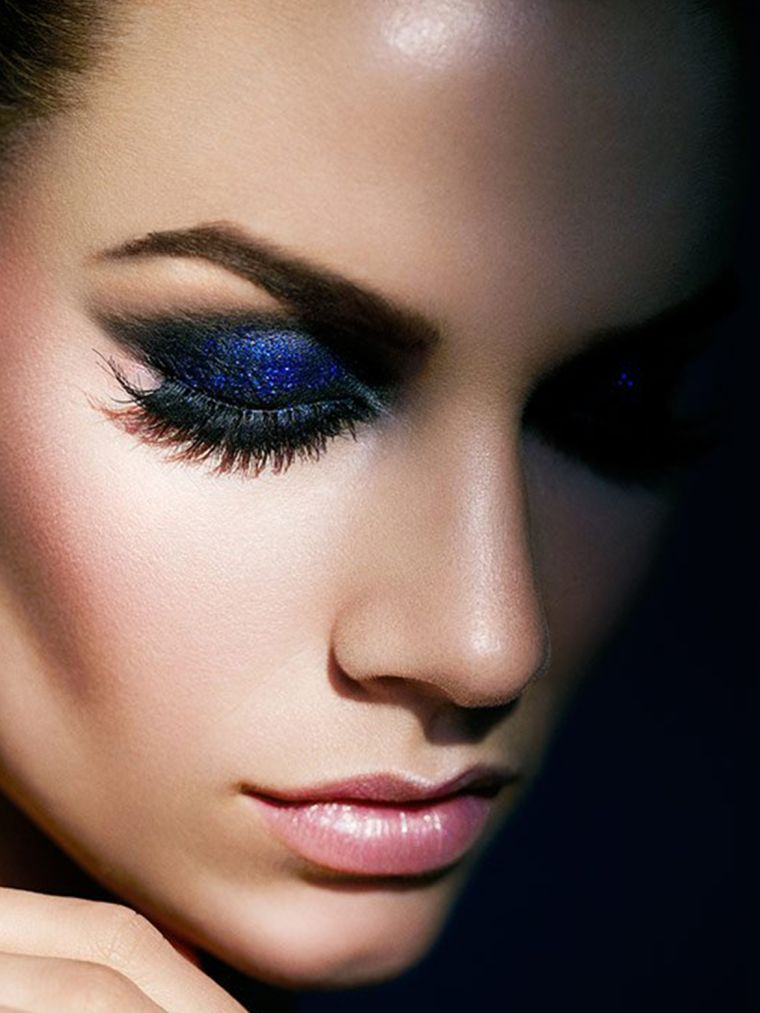 the blue color for makeup