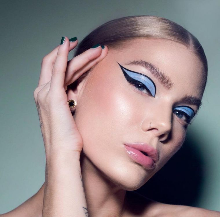 modern makeup in blue and black