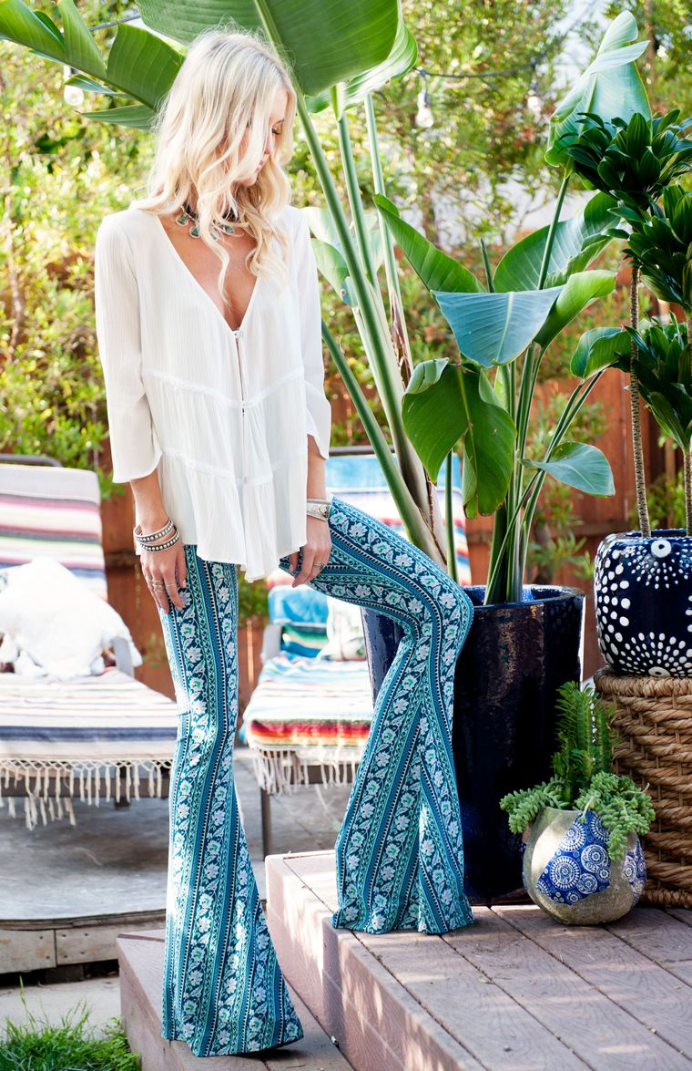 blends eras styles places boho chic style