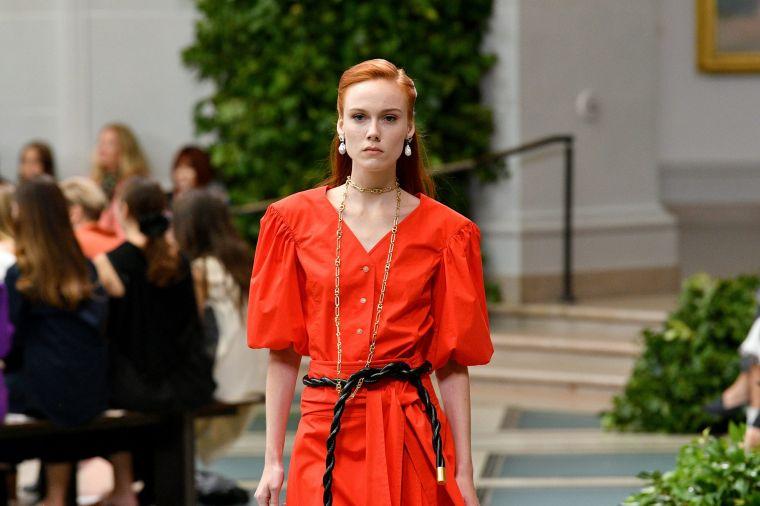 summer fashion trends 2020 in orange
