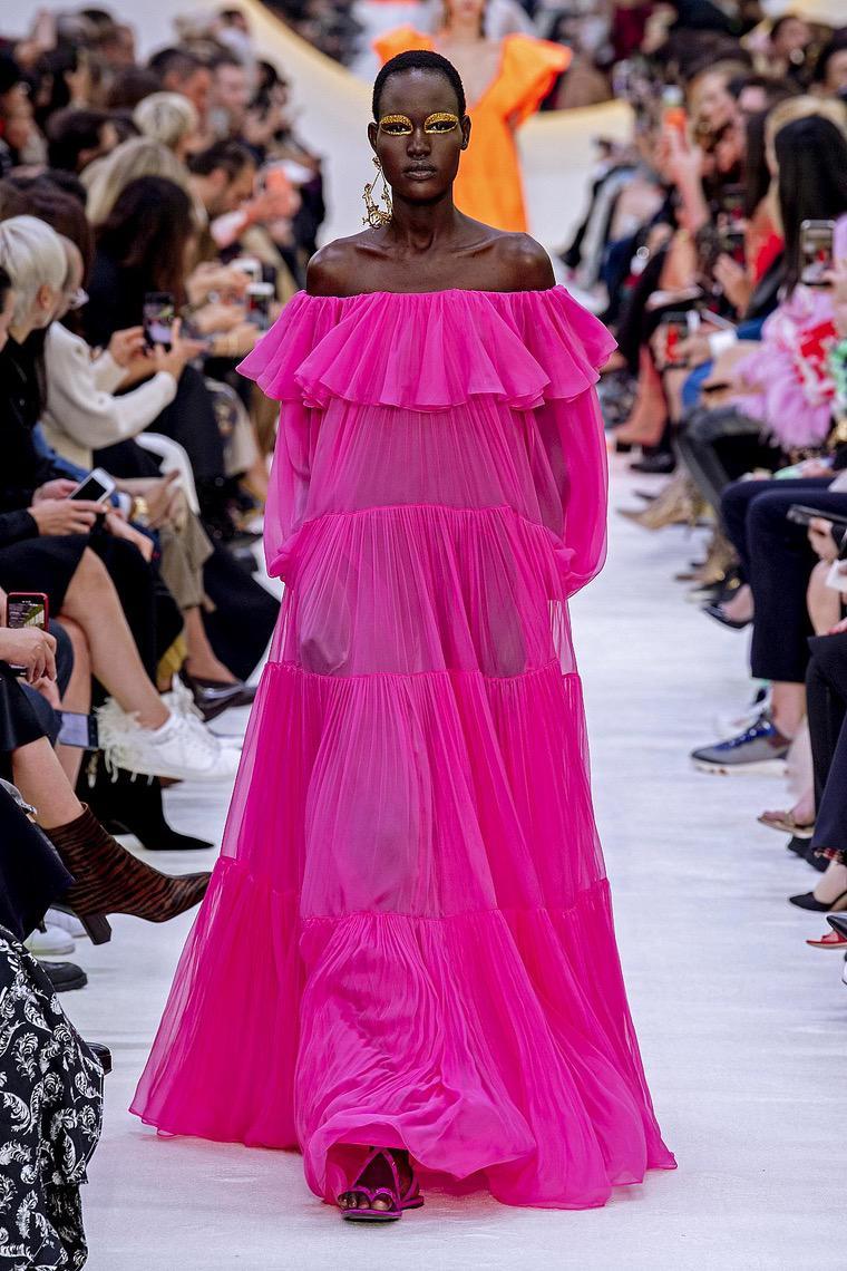 robe longue en couleur fuchsia par Valentino