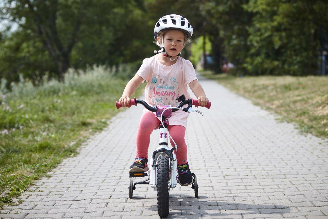 teach kids cycling