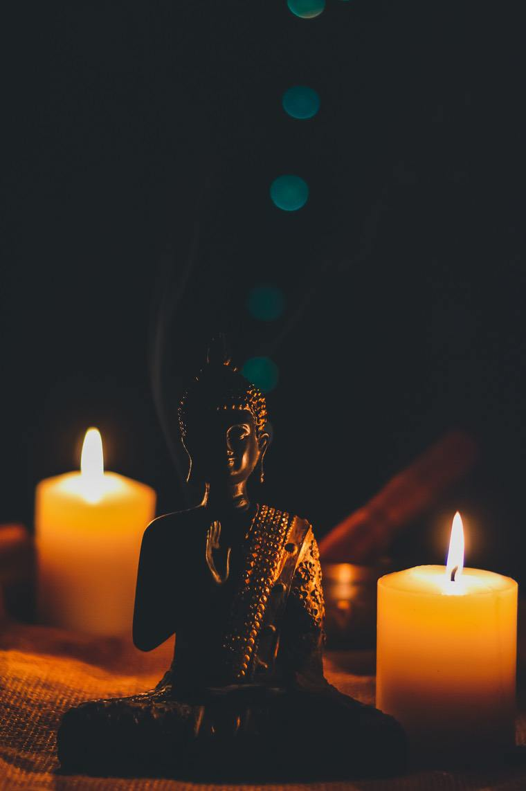 candle boudha