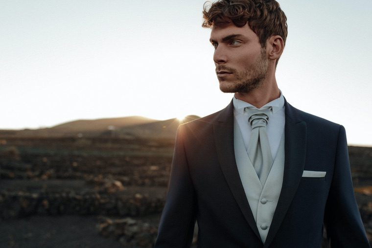 fashion man style suit