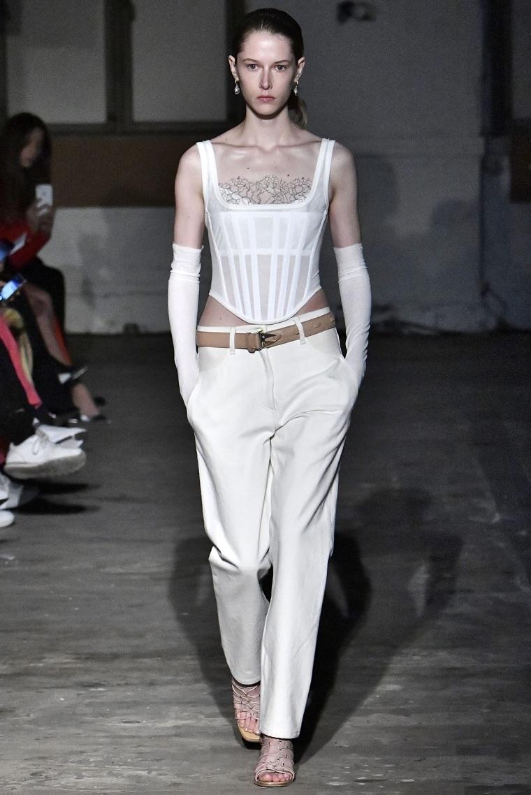 corset woman trends winter 2021