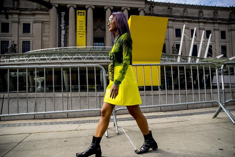 neon yellow color