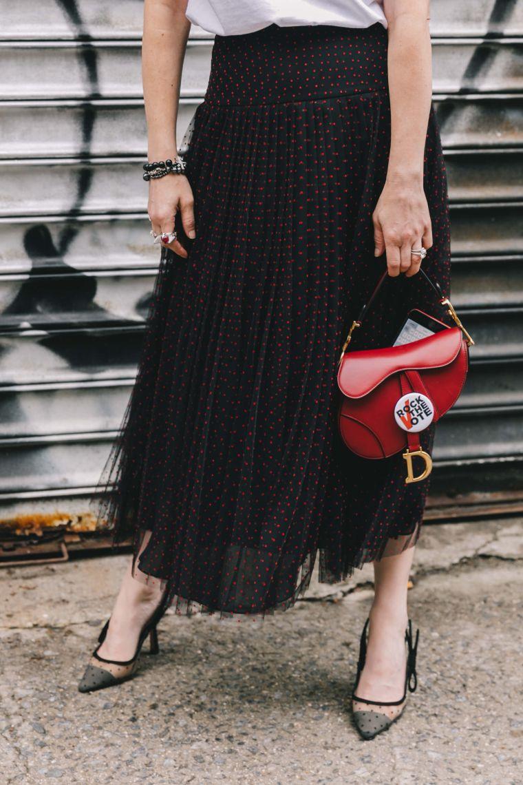 idea for an elegant handbag in red