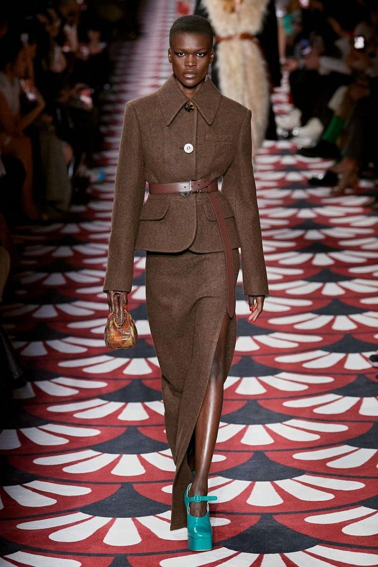 fashion-winter-2020-autumn woman fashion week