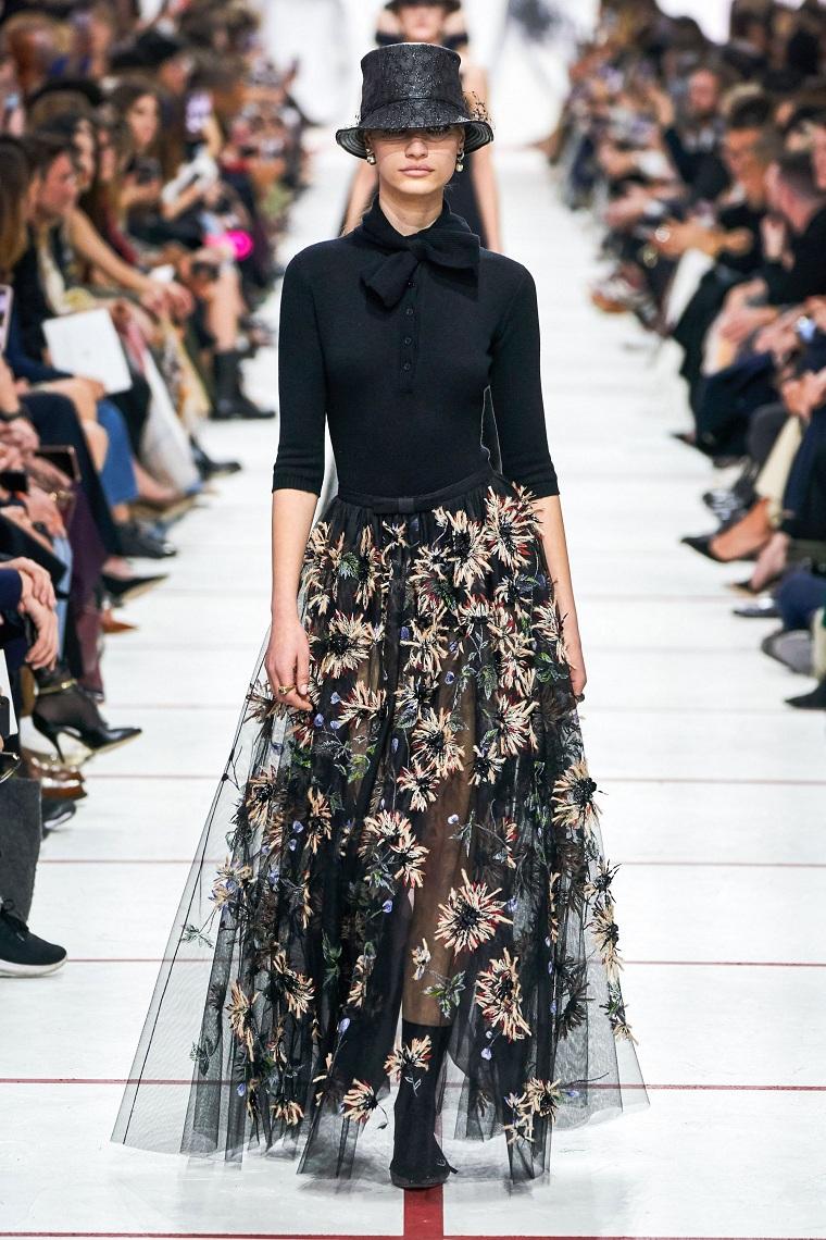 winter fashion 2020 looks woman skirt