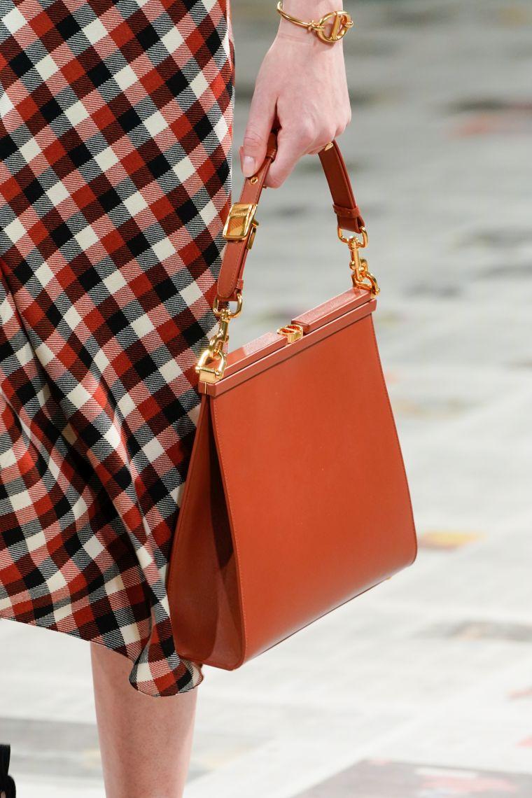 trendy handbag for fall