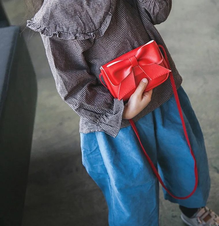 modern bow bag