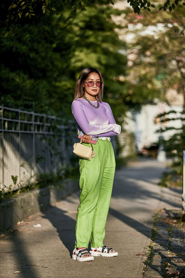 color trendy outfit