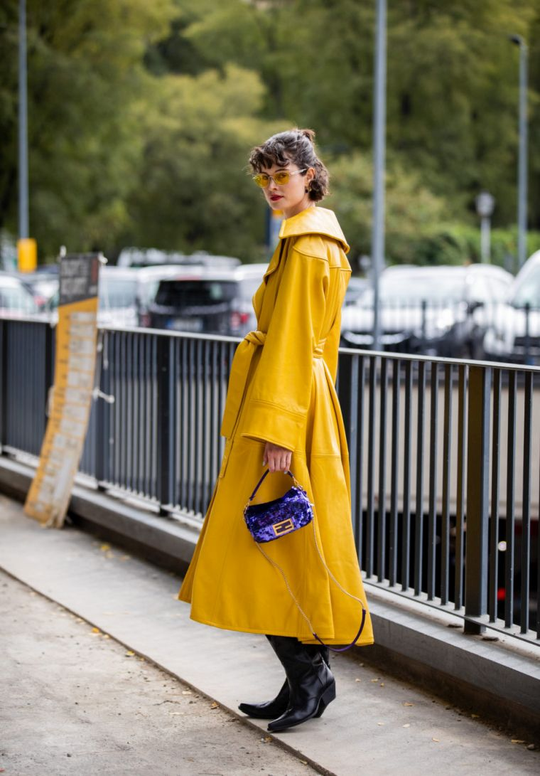 trendy yellow outfit woman