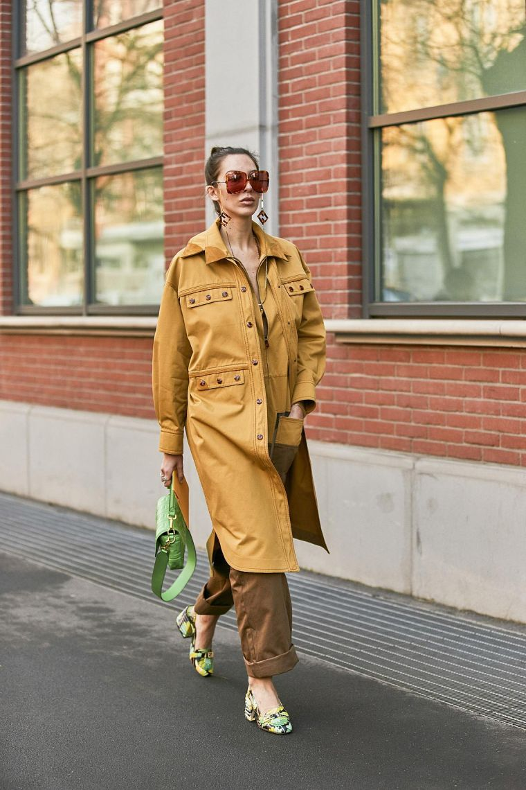 woman modern outfit