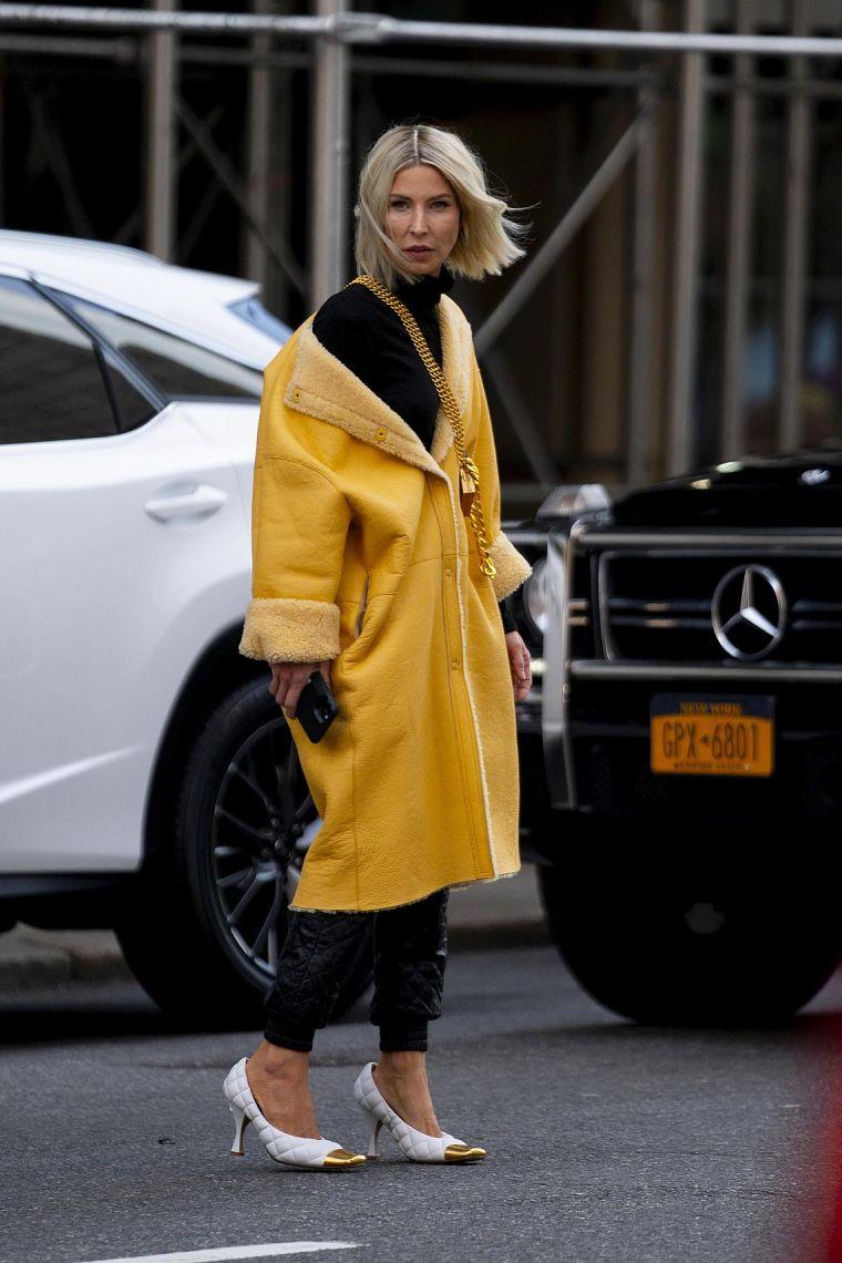 street style woman 2020