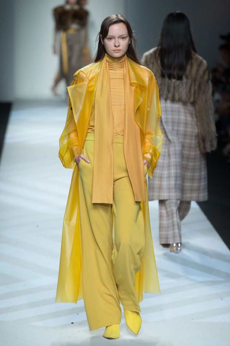 fashion trend fall 2020 2021 catwalk