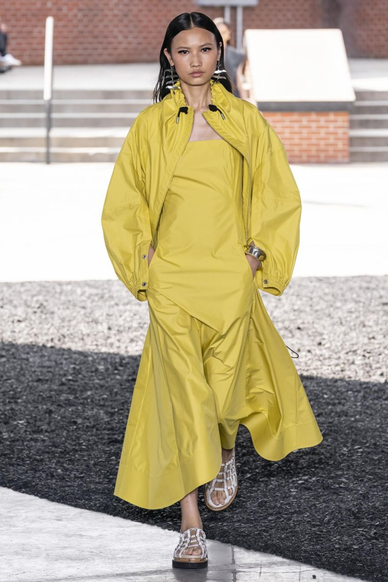fall fashion trend 2020 catwalk