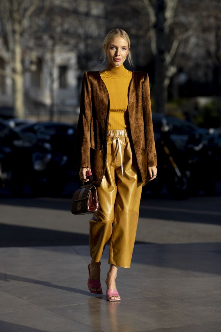 autumnal outfit for women 2020 21
