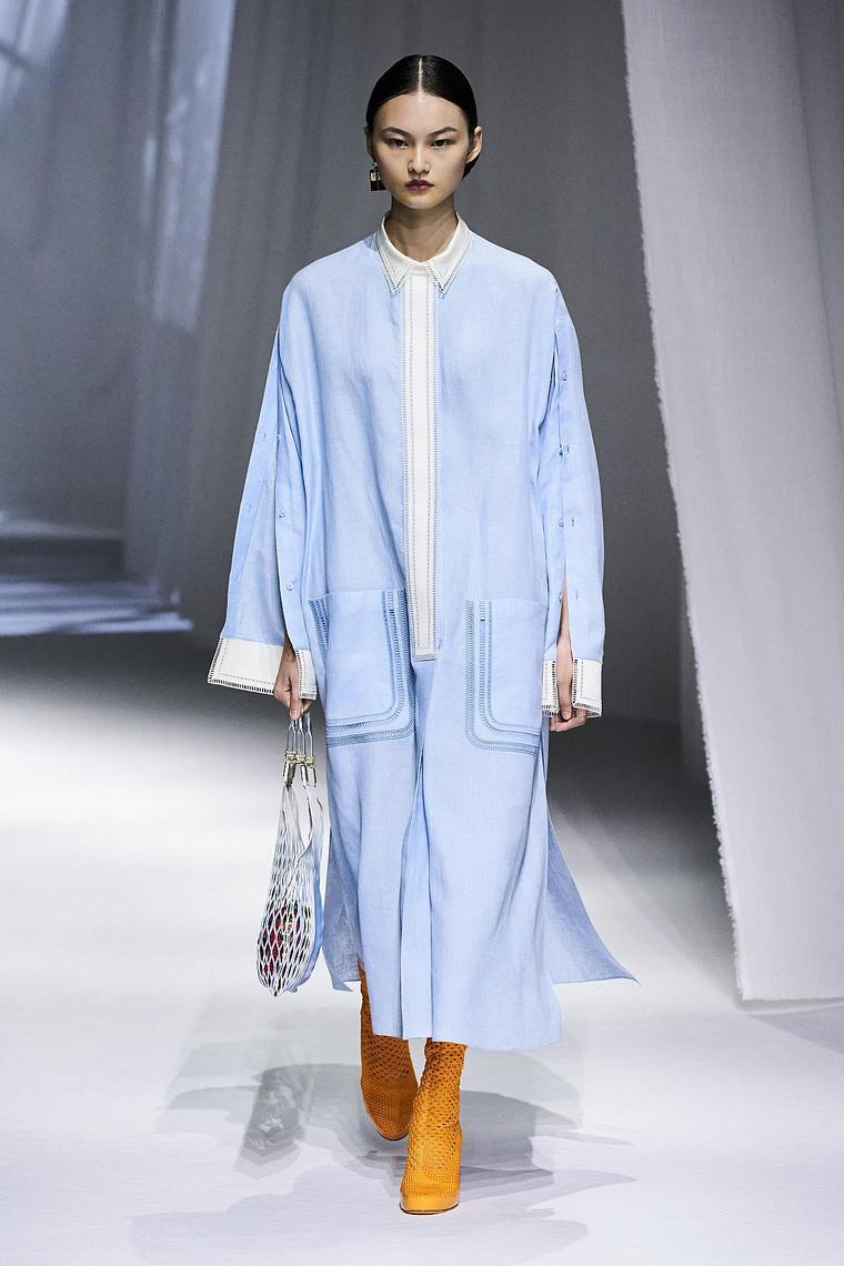 chemise type manteau couleur bleu-ciel