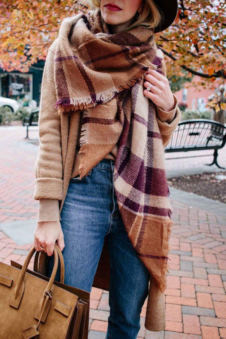 écharpe-couverture à la mode