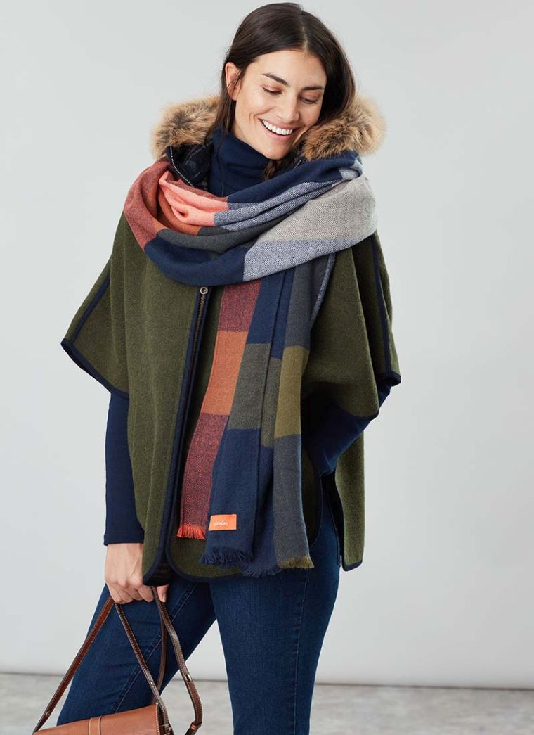 écharpe longue pour l'automne