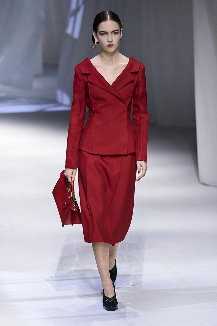 fendi ensemble rouge jupe longue