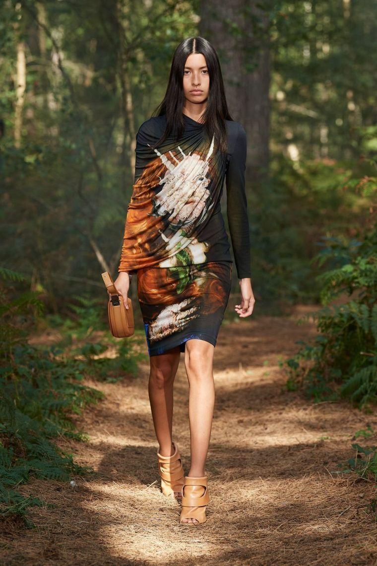 robe moderne femme par burberry