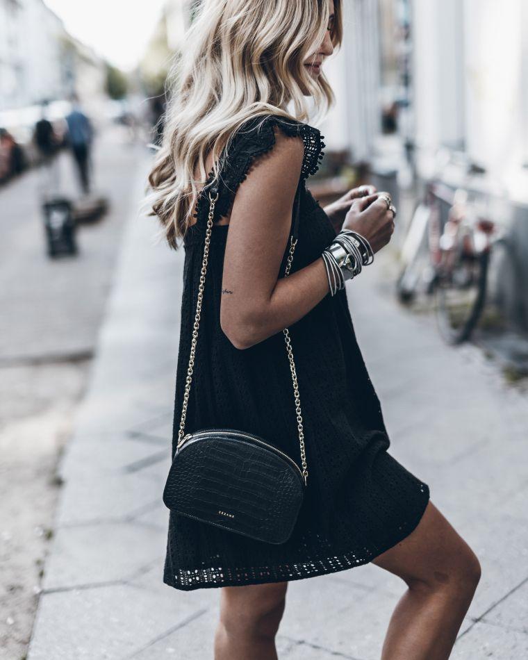 petite robe noire chic avec dentelle