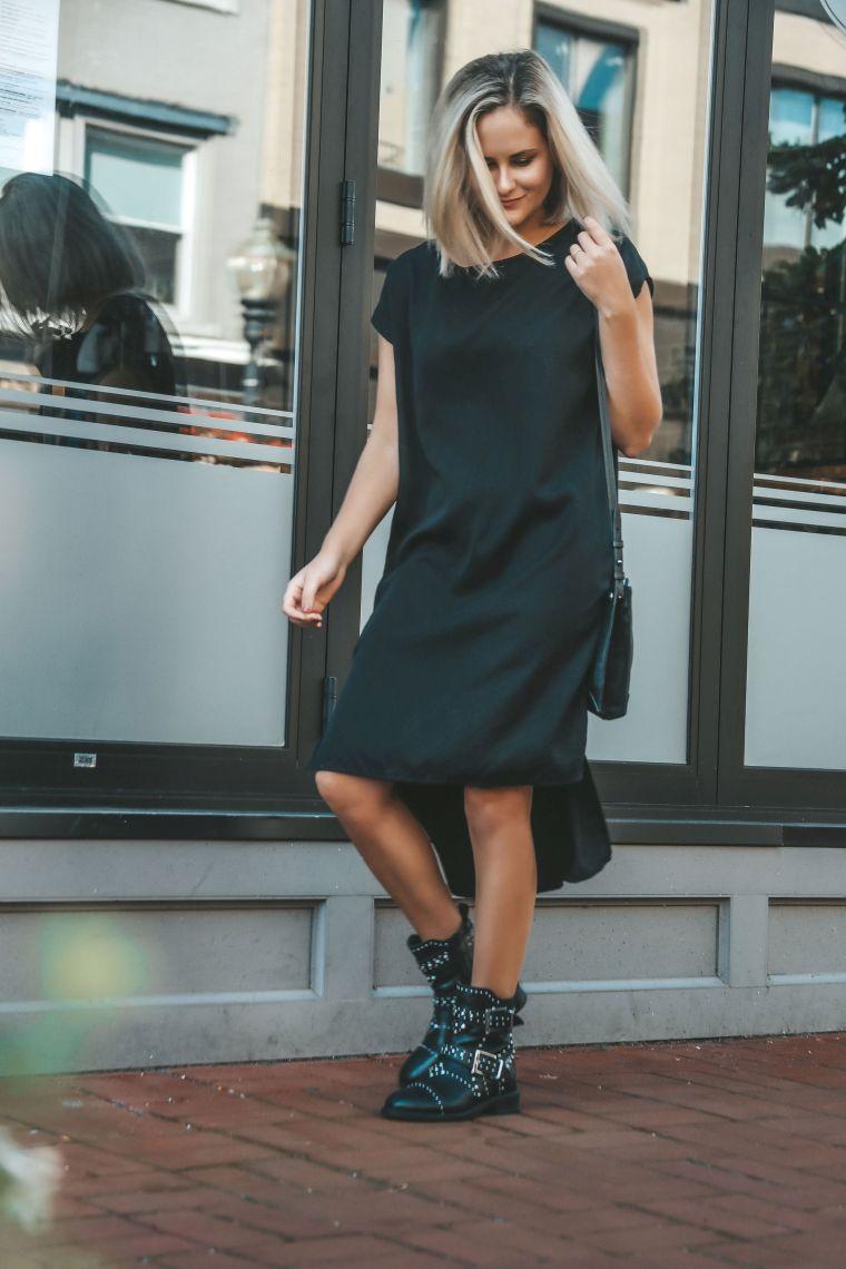 robe noire avec bottes