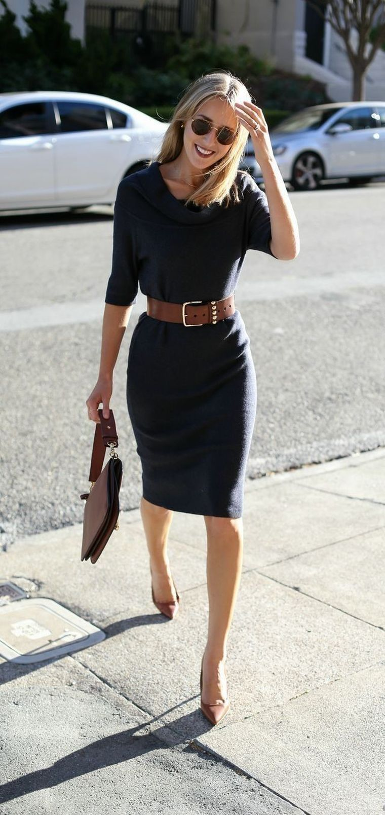 robe noire avec ceinture