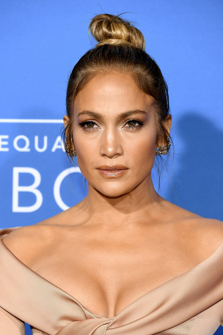 The evolution of Jennifer Lopez's hairstyle over the past 20 years photo # 23