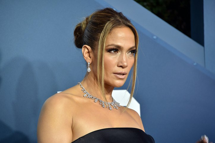 The evolution of Jennifer Lopez's hairstyle over the past 20 years photo # 22