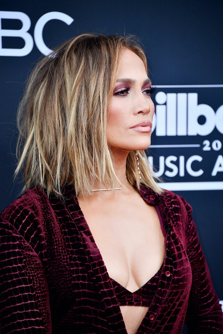 Jennifer Lopez's hairstyle evolution over the past 20 years photo # 27