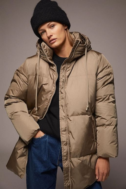 Don't let yourself freeze: 10 warm down jackets for every taste and wallet photo # 9