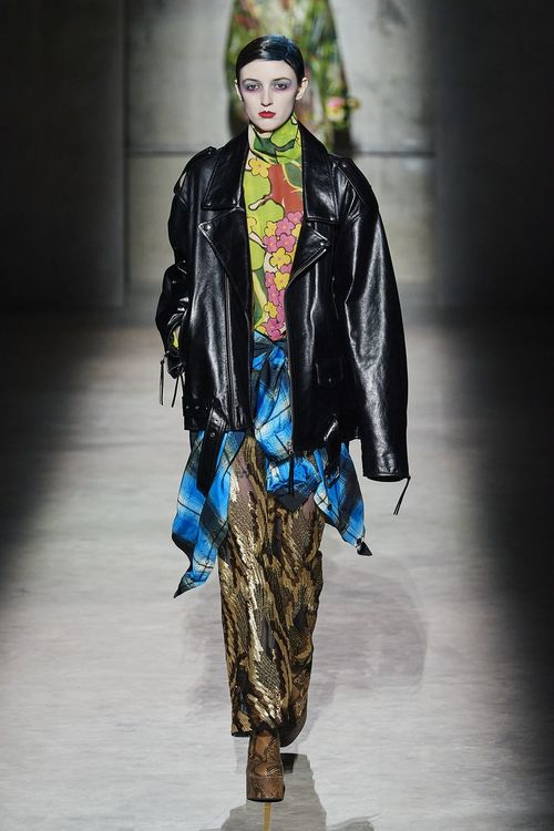 fashionable leather jackets fall 2020 - biker jacket trend