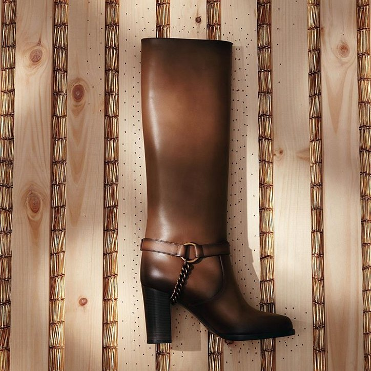 Fashionable boots 2021: trends and news photo # 7