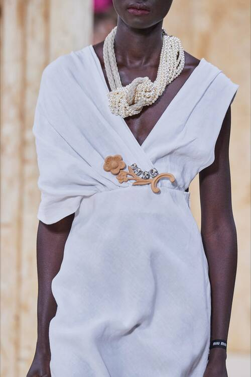 Fashion jewelry 2020 trend pearl necklaces