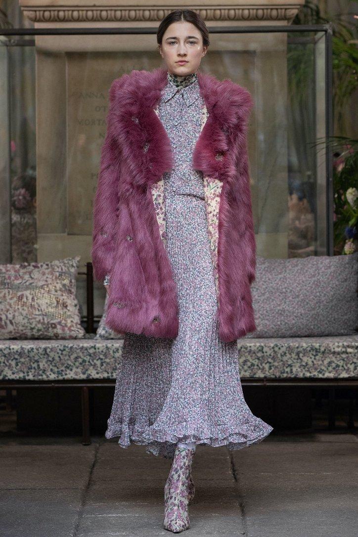 Fashionable fur coats 2021: main trends photo №14