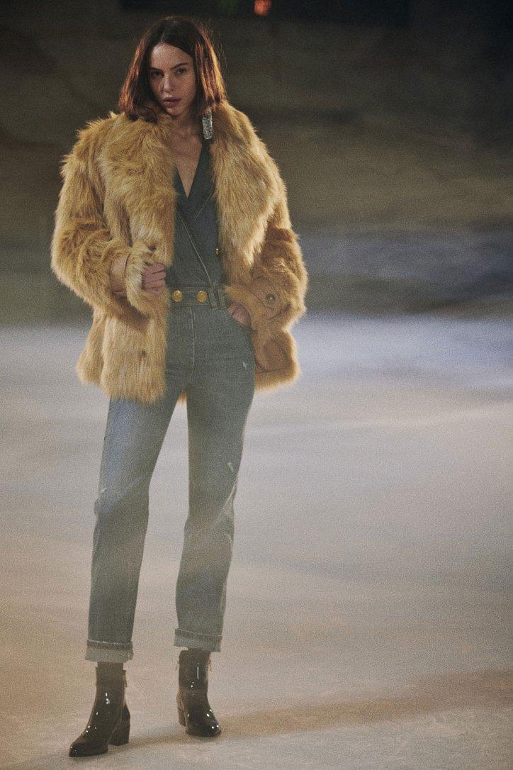 Fashionable fur coats 2021: main trends photo # 19