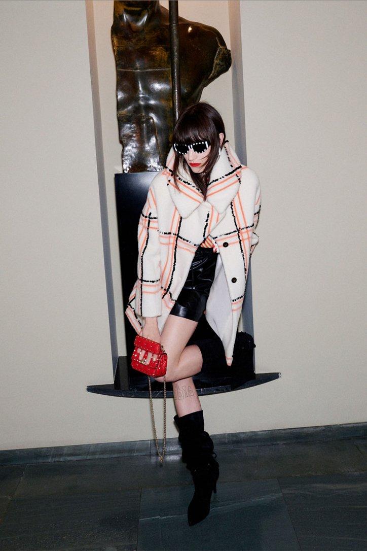 Fashionable fur coats 2021: main trends photo # 31