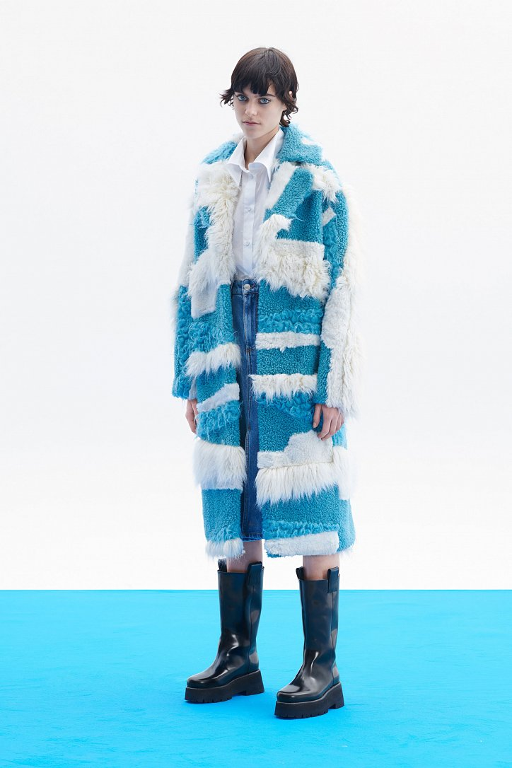 Fashionable fur coats 2021: main trends photo # 29