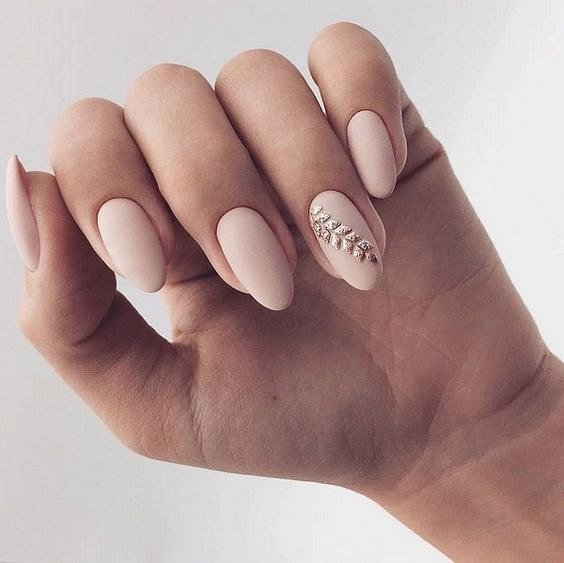 Nude manicure: 30 ideas for a note photo # 17