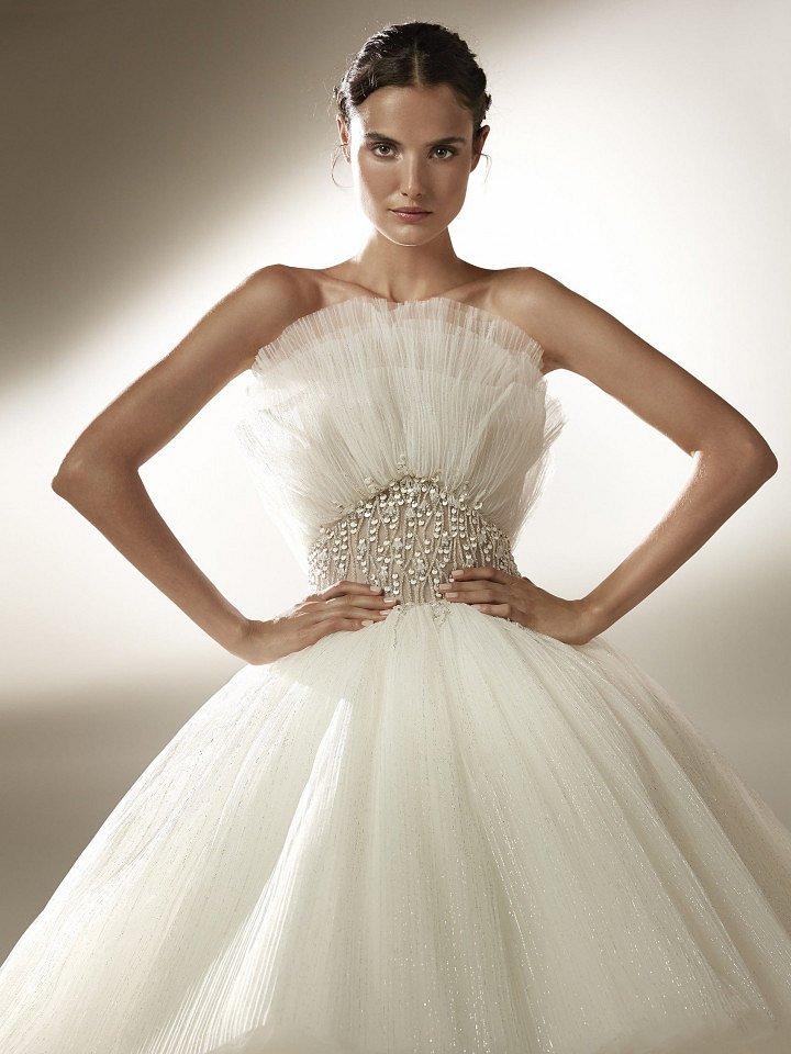 Collection of wedding dresses Atelier Pronovias 2021 photo # 2