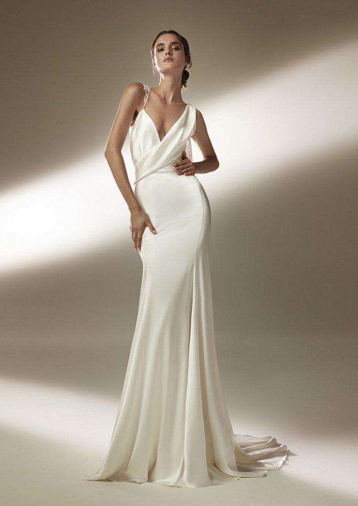 Collection of wedding dresses Atelier Pronovias 2021 photo # 13