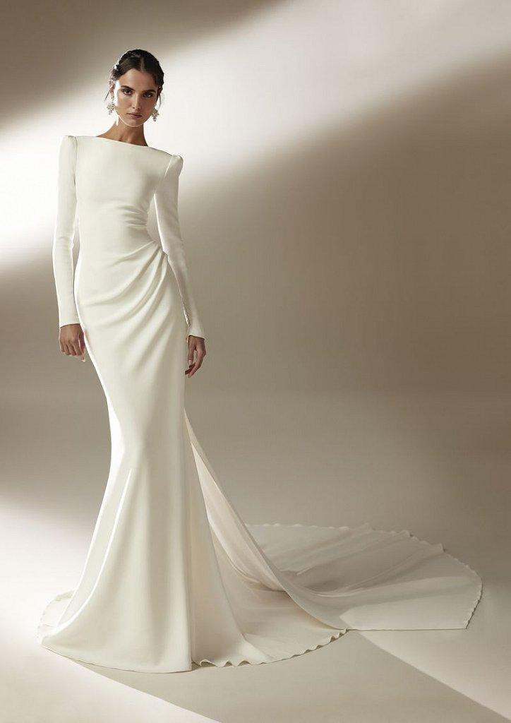 Collection of wedding dresses Atelier Pronovias 2021 photo # 14