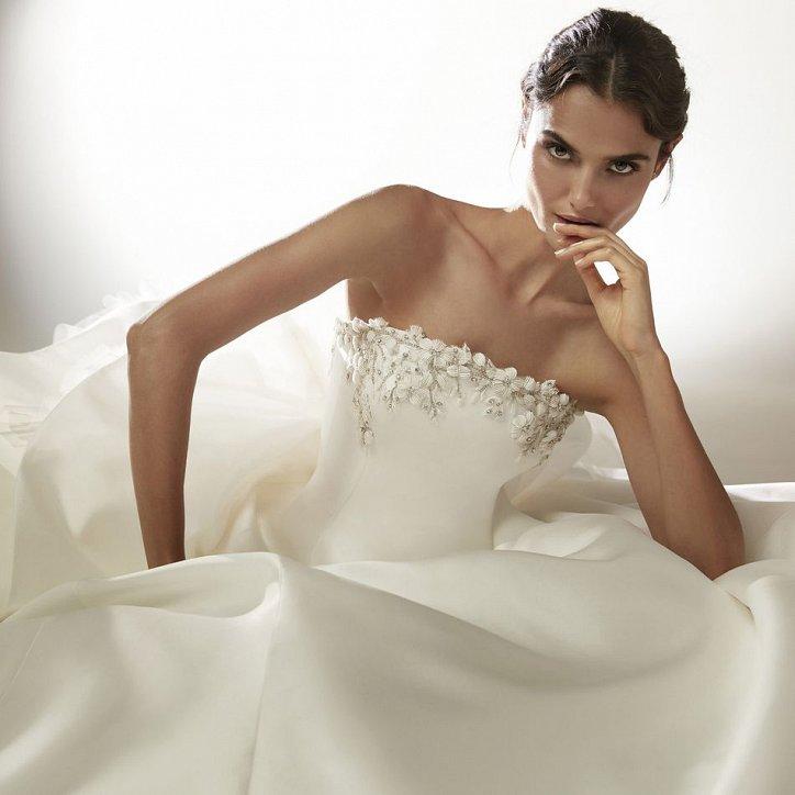Collection of wedding dresses Atelier Pronovias 2021 photo # 23
